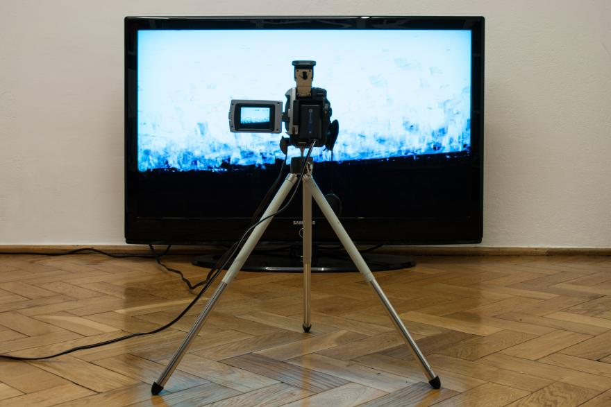 Installation: video camera, screen, feedback loop.